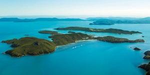 Hamilton_Island_aerial_edit.jpg