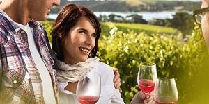 wine_tasting_Waiheke_Isl__image_Chris_Sisarich__exp_27Feb14.jpg